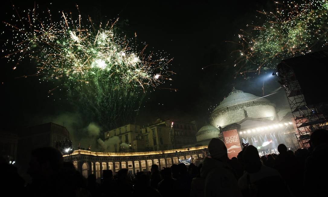 Festa para o Ano Novo em Nápole, na Itália Foto: ANNA MONACO / AFP