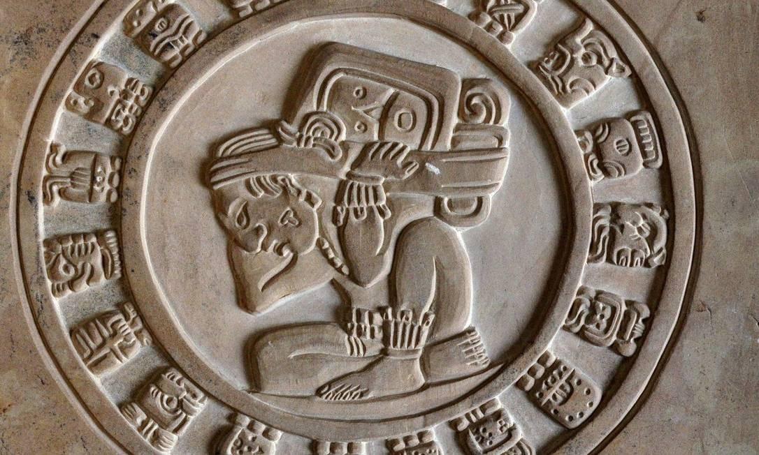 Placa de calendário maia. Foto: Instituto Nacional de Antropologia e História (Inah) do México / Foto Divulgação