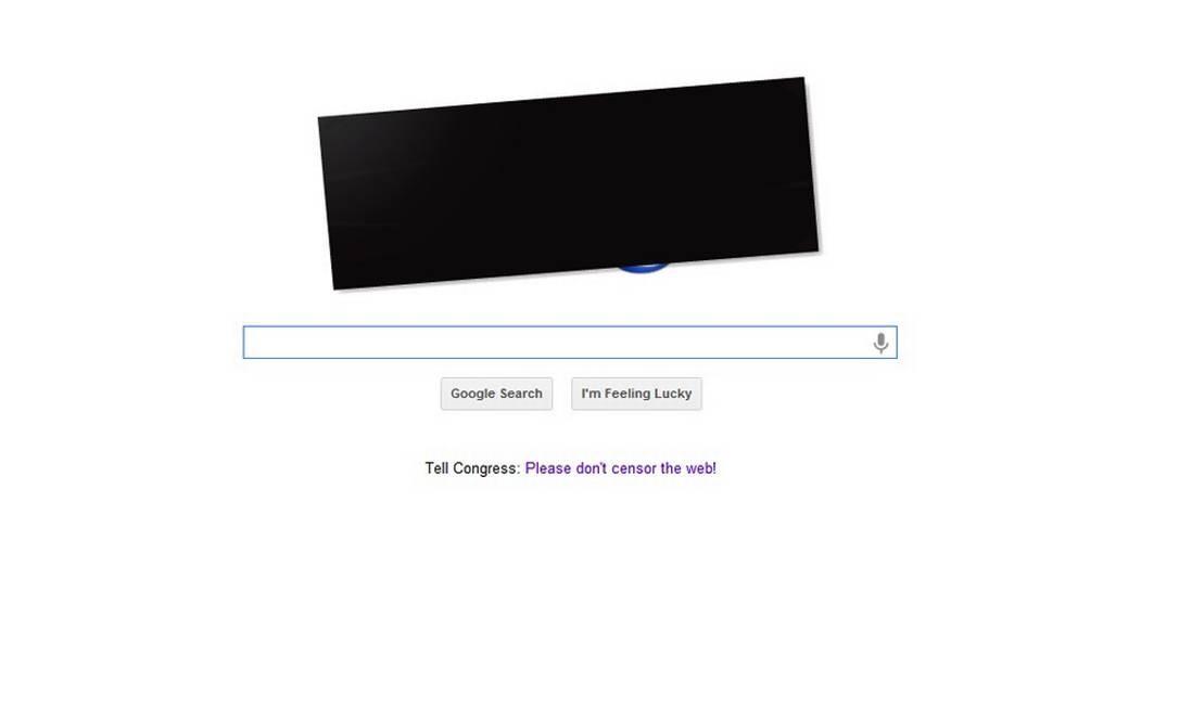 Circula na web uma imagem do logo da Google com uma faixa preta em protesto contra o SOPA Reprodução