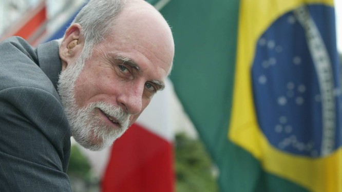 Vint Cerf, então presidente da Icann, em seminário sobre internet no Sofitel Hotel em Copacabana, em 2003 Foto: Marco Antônio Teixeira / O Globo