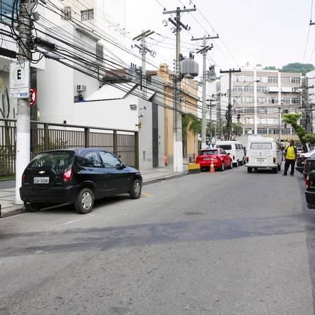 Rua Mem de Sá, terá estacionamento proibido e sentido invertido, mas sem data prevista Foto: Cecília Acioli