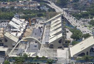 Obras no Sambódromo: o contrato de cessão da Sapucaí para a Liesa destina oito camarotes à Câmara Foto: Pablo Jacob / O Globo