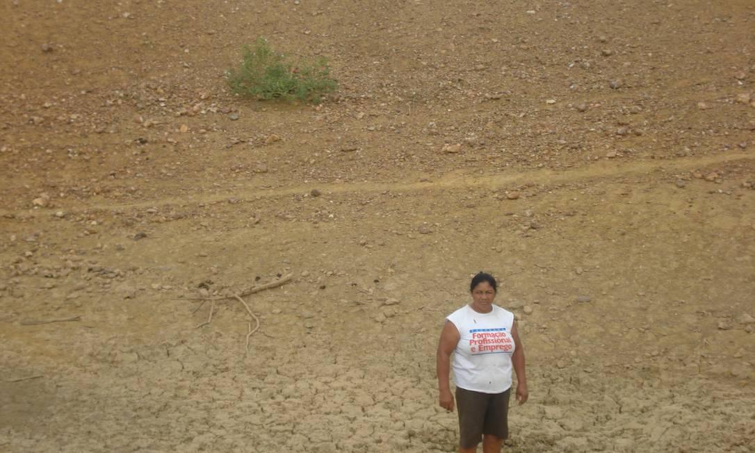 A agricultora Adalva Antunes de Aragão, no sitio São José, localizado a 15 km da sede de Lagoa Grande, em Pernambuco, e a 23 km do Rio São Francisco Foto: Divulgação
