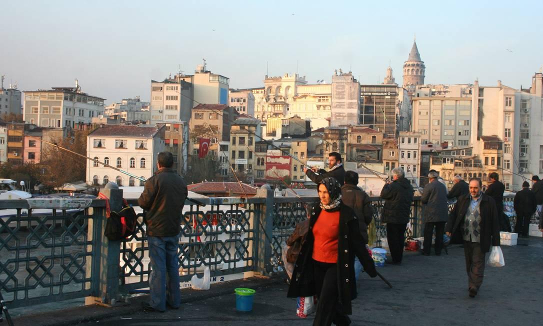 Ponte de Galata, em Istambul Foto: Carla Lencastre