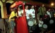 Bloco Samba e Paixão toca hits bregas