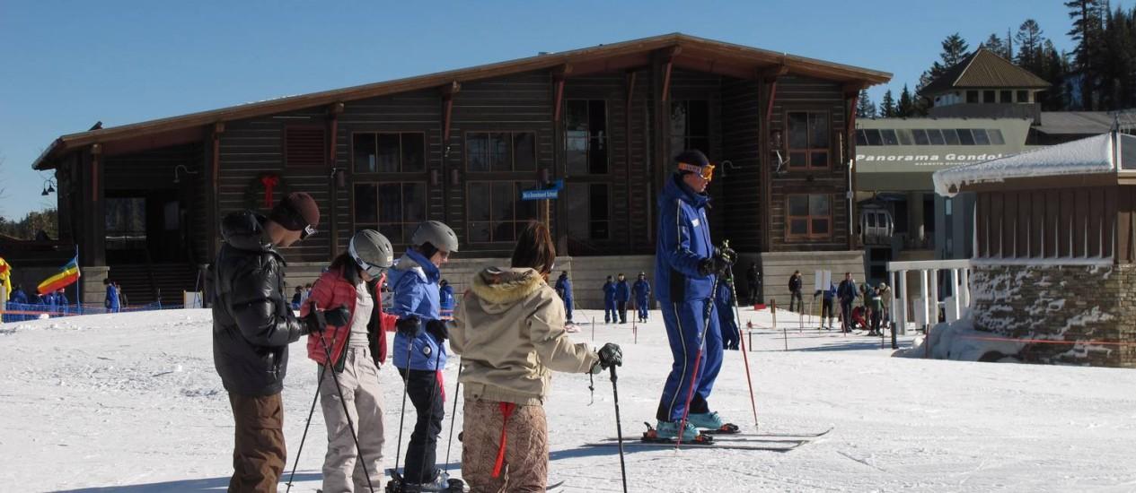 Esquiadores em Mammoth Mountain, na Califórnia: apólice para esportes radicais Foto: Eduardo Maia / O Globo