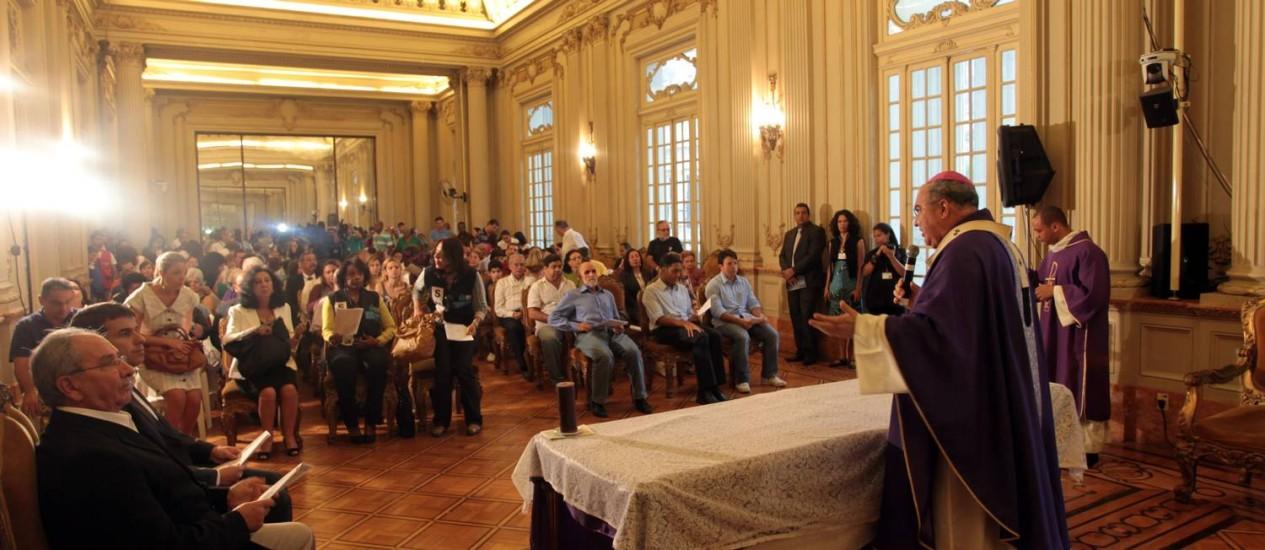 Parentes e amigos das vítimas dos desabamentos se reúnem em culto ecumênico na Câmara dos Vereadores Foto: Gabriel de Paiva / O Globo