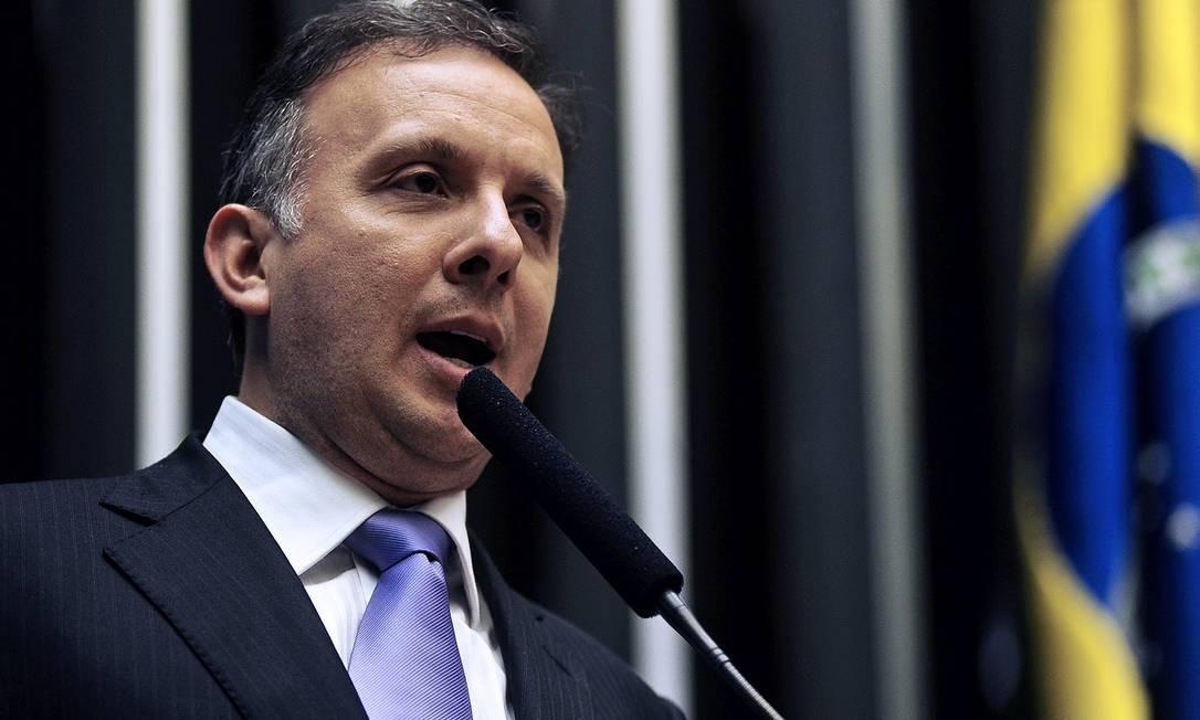 O líder do PP na Câmara, Aguinaldo Ribeiro, será nomeado por Dilma para o lugar de Negromonte Foto: Agência Câmara