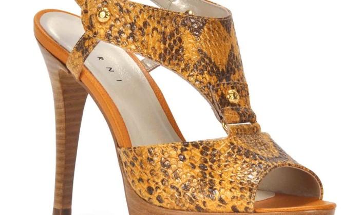 Detalhe da sandália Cobra, da Ferni / R$ 219,90 - Tel.: (21) 2526-6660 - www.ferni.com.br Divulgação