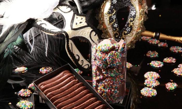 Língua de gato R$ 14,50 (80g) e pastilha de chocolate com miçanga: R$ 14,80 (100g), da Katz Chocolates, no Shopping Tijuca - Tel.: (21) 3529-3555 Divulgação