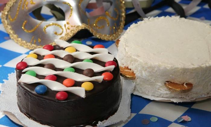 Torta de chocolate com confete e torta de côco / R$ 39 cada - The Bakers Tel.: (21) 3209-1212 Divulgação