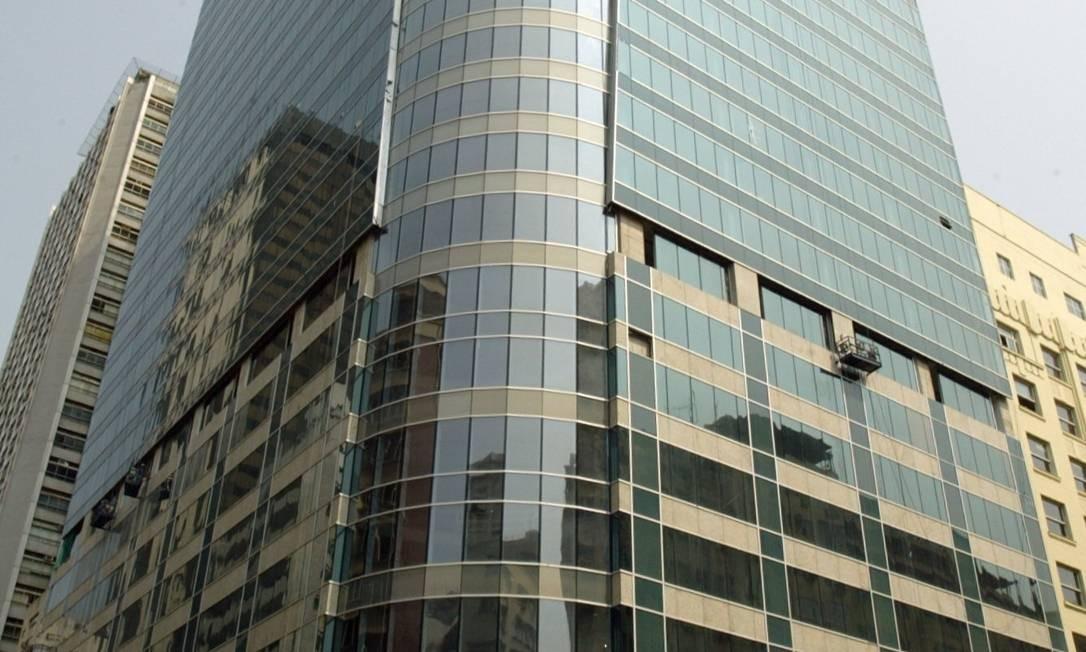 Edifício Torre Almirante, que abriga funcionários da Petrobras, na Avenida Almirante Barroso, Centro do Rio Foto: Simone Marinho / Simone Marinho