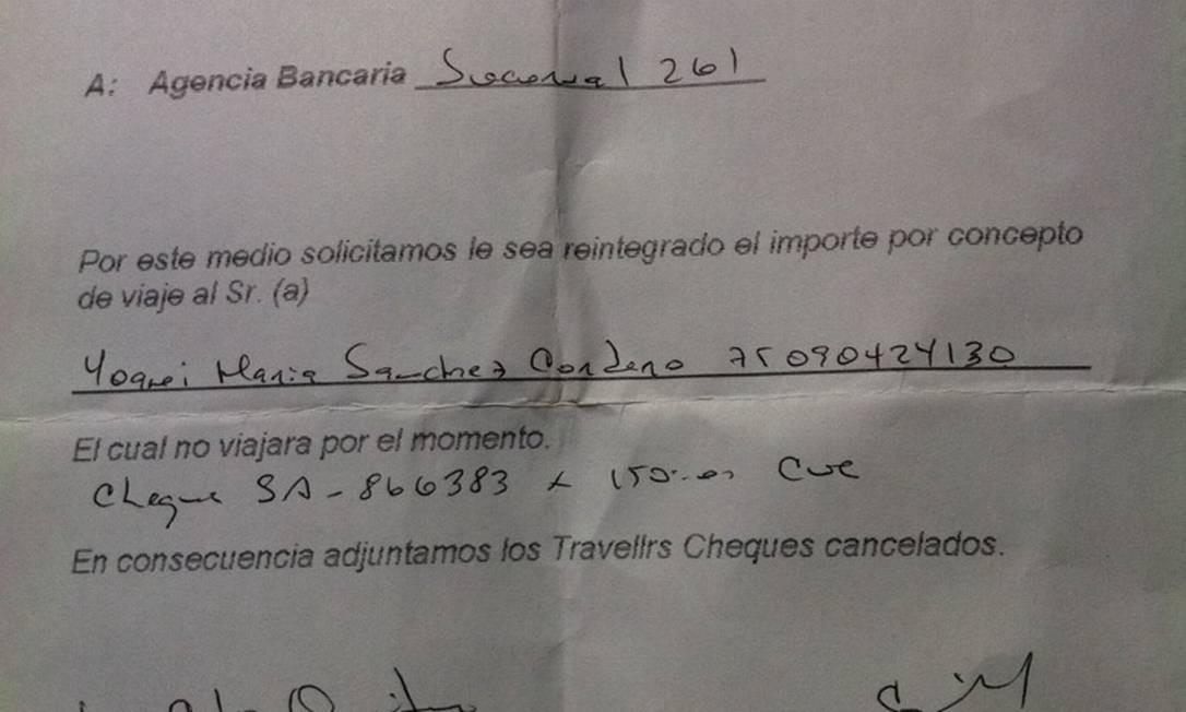 O documento em que o governo nega a autorização a Yoani, postado por ela no Twitter Foto: Reprodução