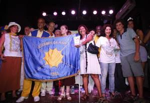 Os organizadores do Escravos da Mauá recebem o Prêmio O GLOBO de Blocos de 2011 Foto: O Globo / André Teixeira