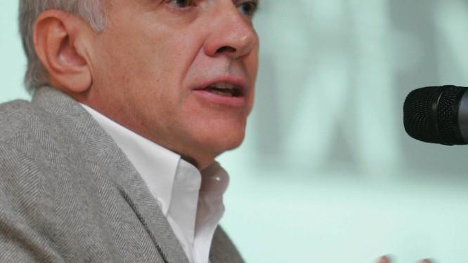 Foto: Marco Antonio Teixeira/11-2007 / André Lara Resende