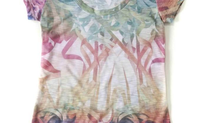 Detalhe da camiseta Serpentina, da Cantão / R$ 99 - www.cantao.com.br Divulgação