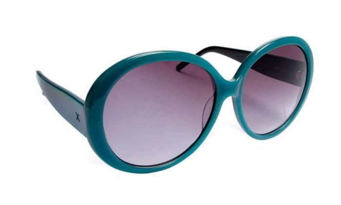 Óculos com armação colorida. Vários modelos / R$ 158 - Langak - Tel.: (21) 2512-2100 Divulgação