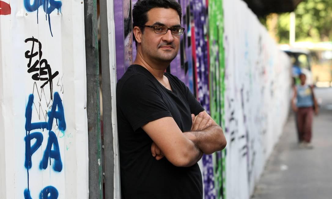 O editor Julio Silveira acredita no poder dos livros sob demanda Foto: Carlos Ivan / Agência O Globo