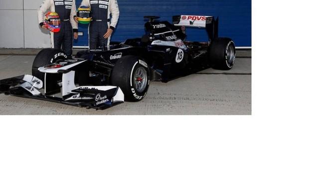 Maldonado e Bruno Senna com o novo carro da Williams em Jerez Foto: Williams / Divulgação