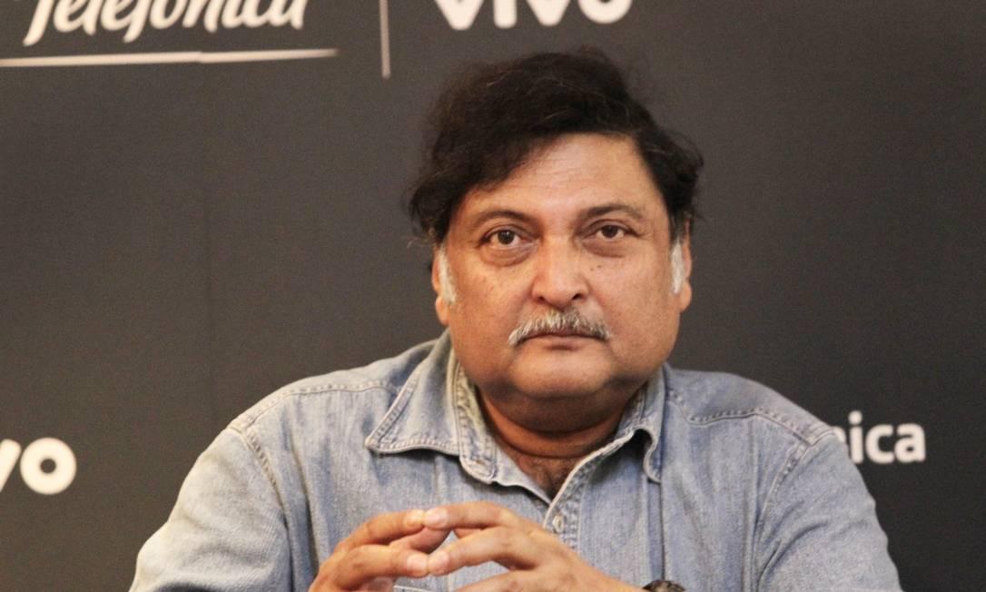 Na foto, o indiano Sugata Mitra fala sobre tecnologia e educação na Campus Party Foto: Agência O Globo / Marcos Alves