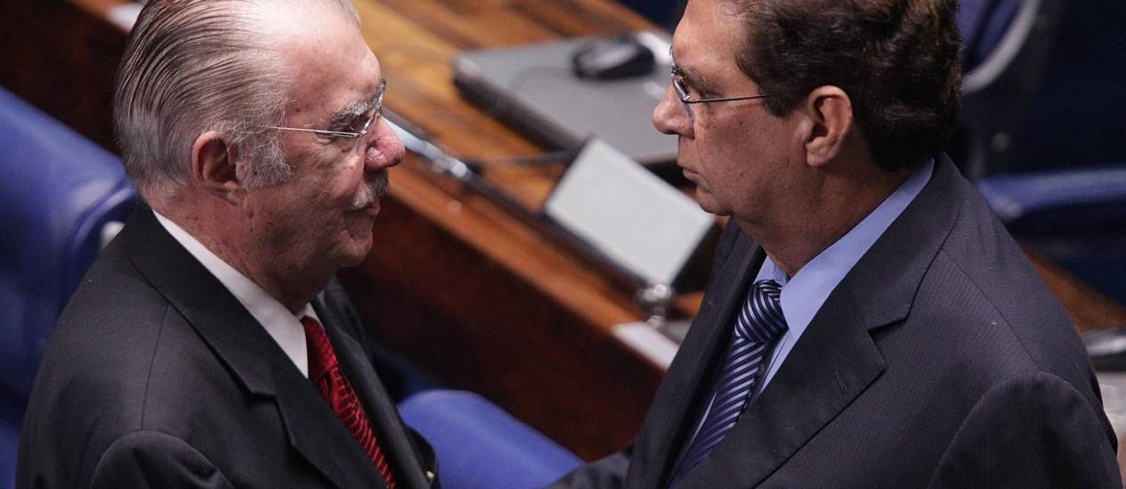 Os senadores José Sarney e Jader Barbalho Foto: André Coelho / O Globo
