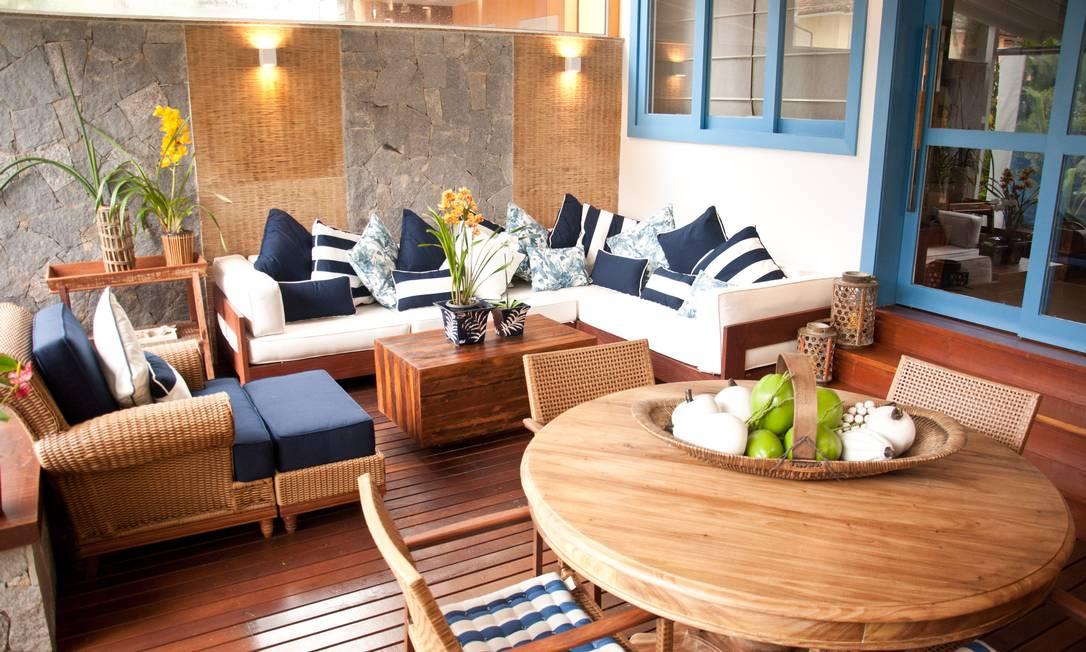 Veja fotos da casa r stica e cheia de toques sofisticados for Sala rustica moderna
