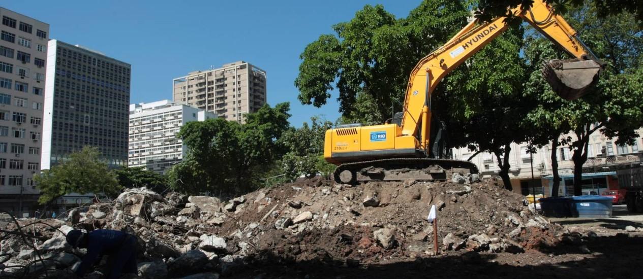 Fim das obras contra o alagamento na Praça da Bandeira está previsto para daqui a dois anos Foto: Hudson Pontes