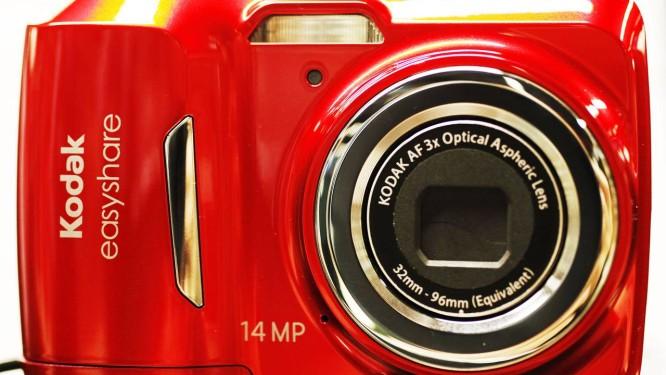 Na foto, câmera da linha Kodak EasyShare. Aparelho é um dos últimos a ser fabricado pela companhia Foto: Mark Lennihan / AP