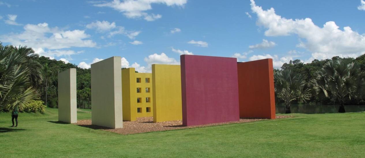 Fabuloso Inhotim, um jardim de cores em museu a céu aberto - Jornal O Globo UH71