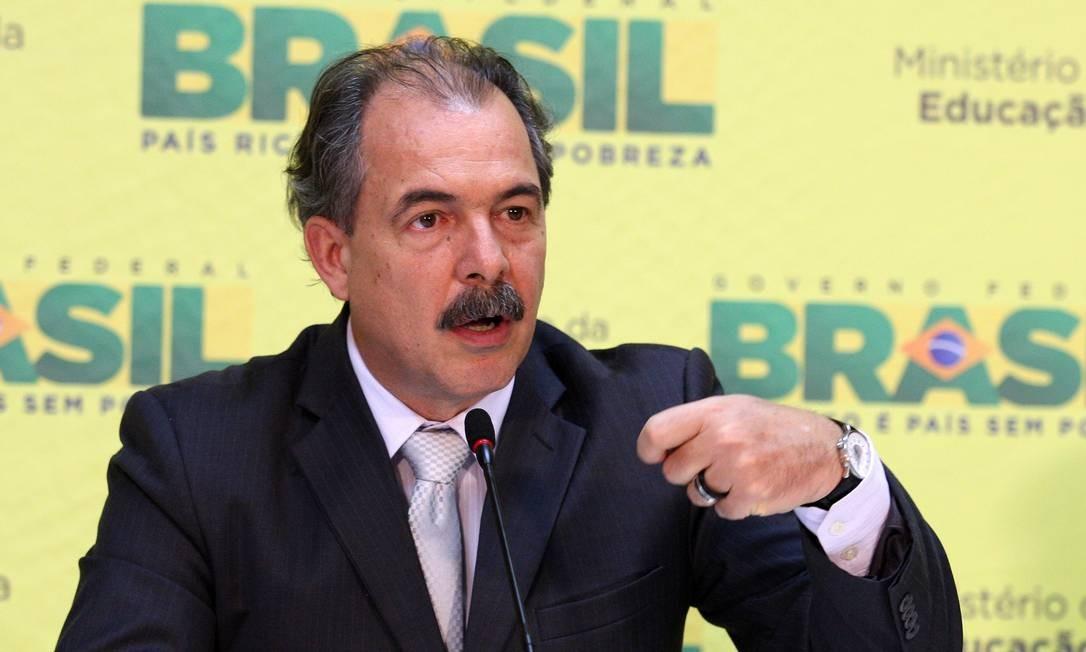 O ministro da Educação Aloizio Mercadante Foto: O Globo / Ailton de Freitas