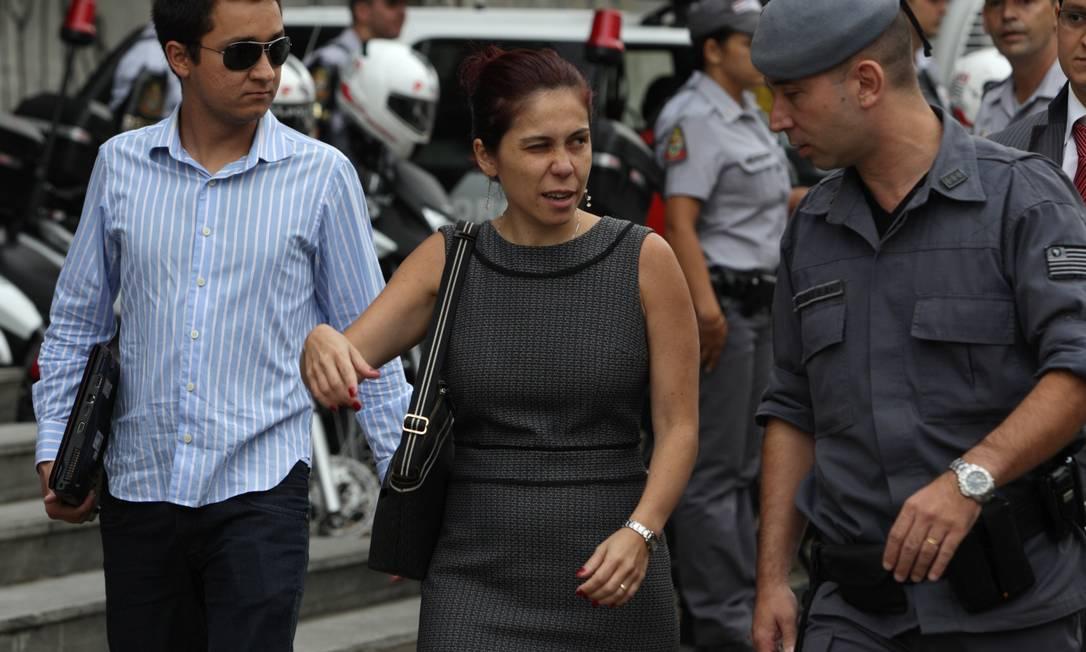 A promotora Daniela Hashimoto chega ao Fórum de Santo André para o último dia de julgamento Foto: Michel Filho / O Globo
