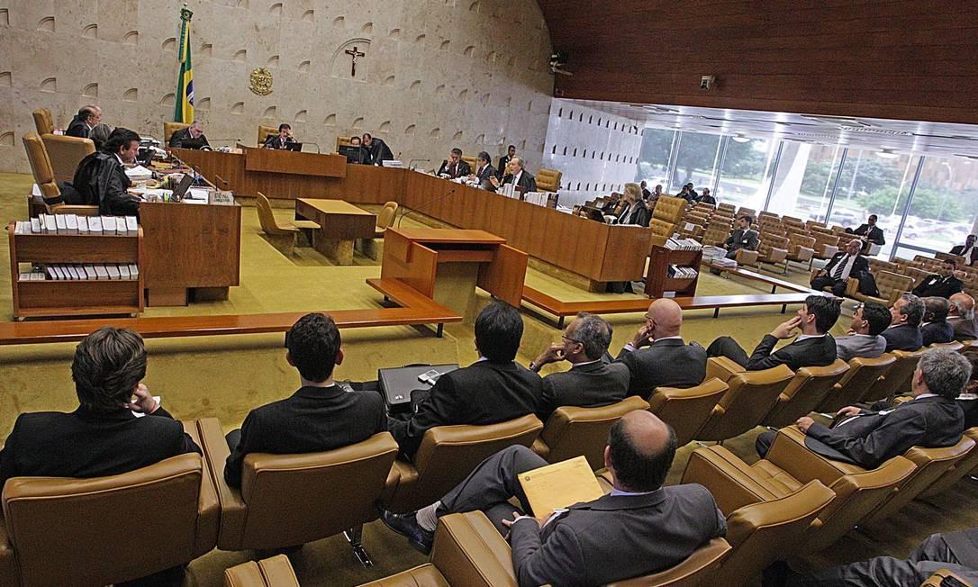 Plenário do STF durante a votação da constitucionalidade da Lei da Ficha Limpa Foto: André Coelho / O Globo