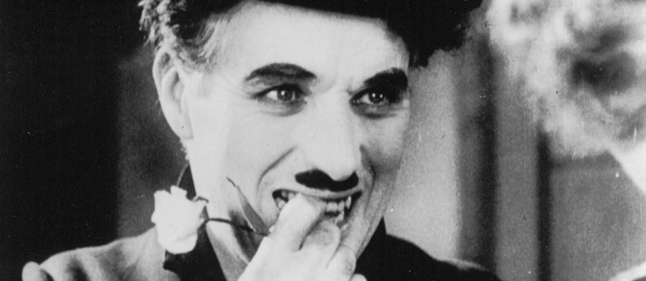 Charlie Chaplin em cena do filme 'Luzes da cidade' Foto: Reprodução