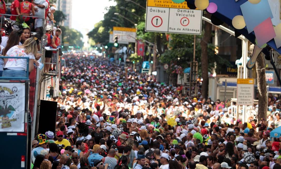 A expectativa é de que o bloco arraste duas milhões de pessoas pelas ruas do Centro do Rio neste sábado Foto: Agência O Globo / Gabriel de Paiva