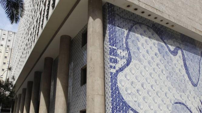 O Palácio Capanema: reforma começa em outubro e desafia arquitetos Foto: Mônica Imbuzeiro / O Globo