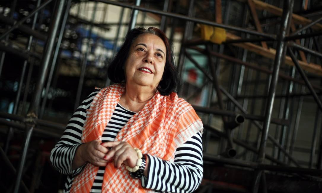 A carnavalesca da Vila Isabel, Rosa Magalhães, ganhou o Estandarte de Ouro de Personalidade do Carnaval Foto: Agência O Globo / Felipe Hanower