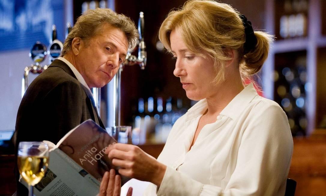 """DUSTIN HOFFMAN e Emma Thompson em """"Tinha que ser você"""", um dos muitos filmes em que os personagens consomem bebidas alcoólicas Foto: Divulgação"""