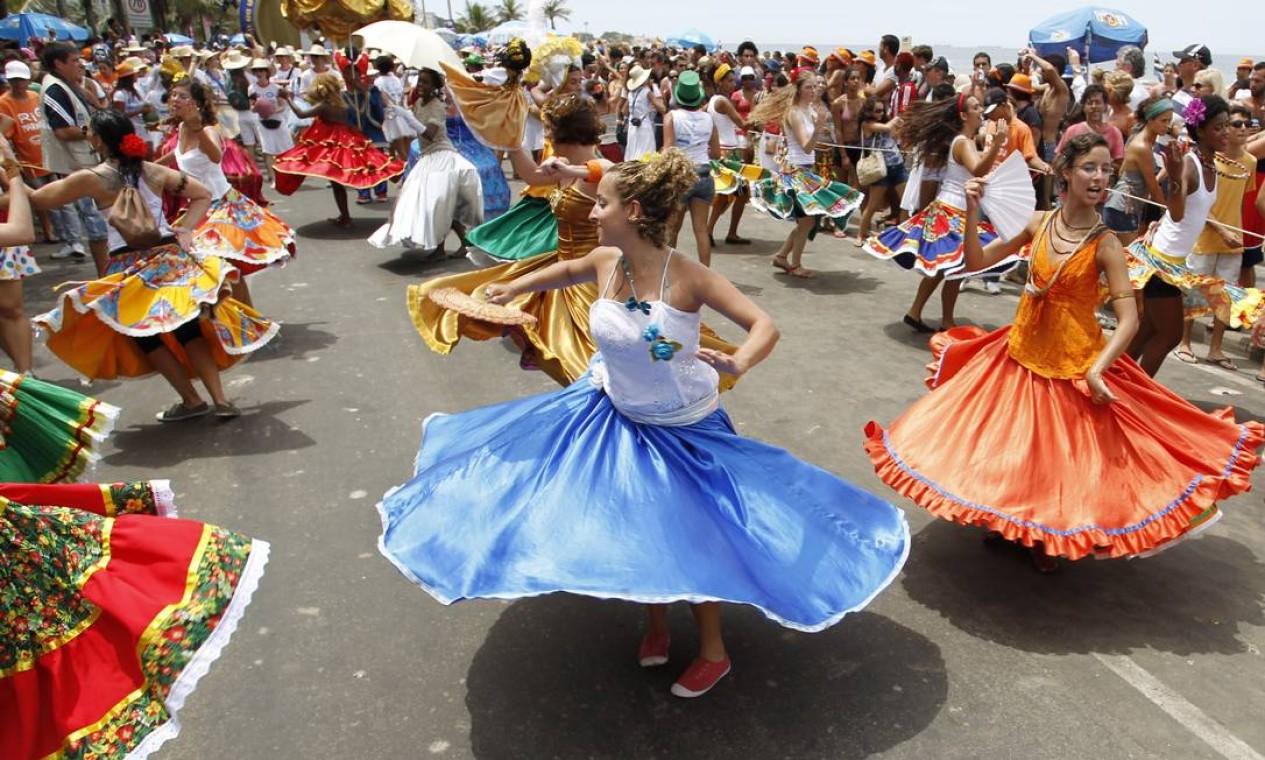 O Rio Maracatu comemora este ano 15 anos de carnaval Foto: Agência O Globo / Mônica Imbuzeiro