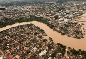 Inundações provocadas pelo transbordamento do Rio Acre deixaram 6.840 desabrigados em 45 bairros de Rio Branco Foto: Sérgio Vale / Divulgação Prefeitura de Rio Branco