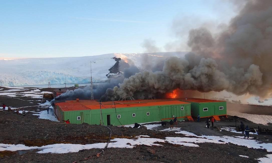 Incêndio destrói base brasileira na Antártica Site Informador Chile