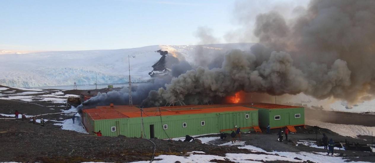 Incêndio destrói Estação Antártica Comandante Ferraz Foto: Reuters