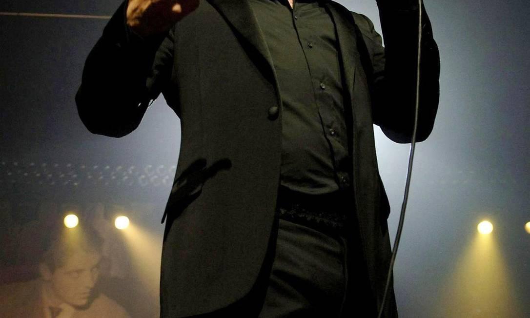 Morrissey no palco: aos 52 anos, o cantor acaba de escrever sua biografia e se apresenta na Fundição Progresso no dia 9 de março Foto: Divulgação