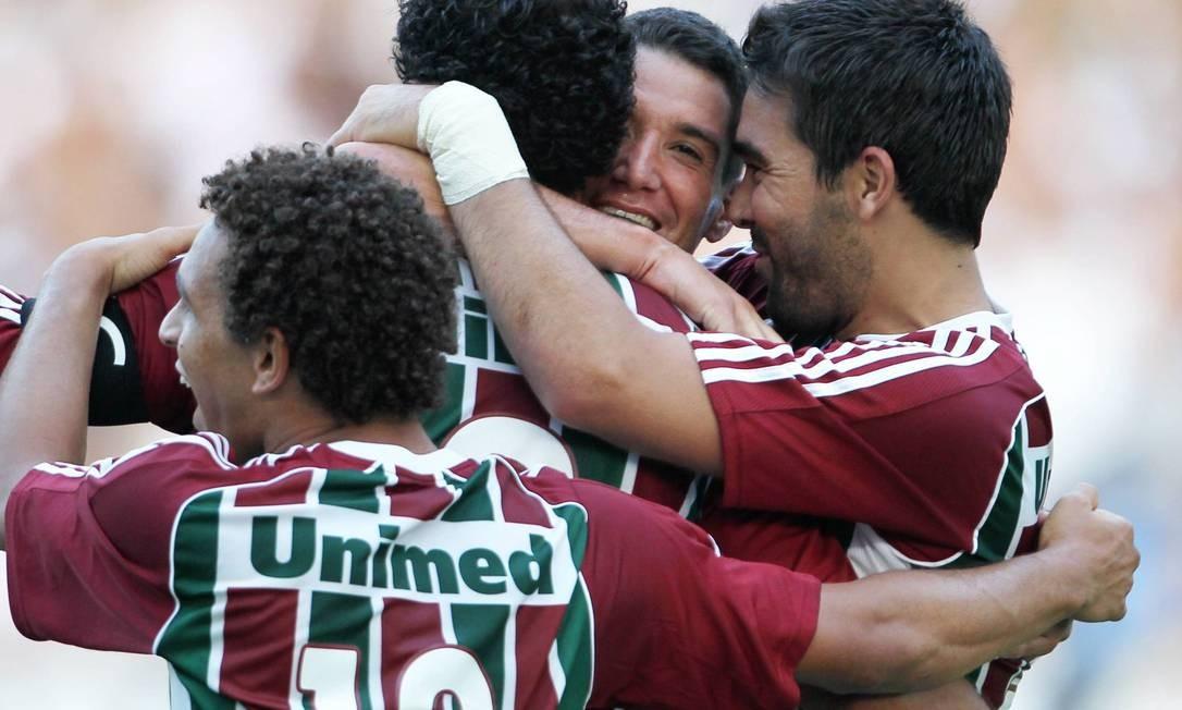 Fred (2) e Deco marcaram os gols do Fluminense no clássico Foto: Jorge William