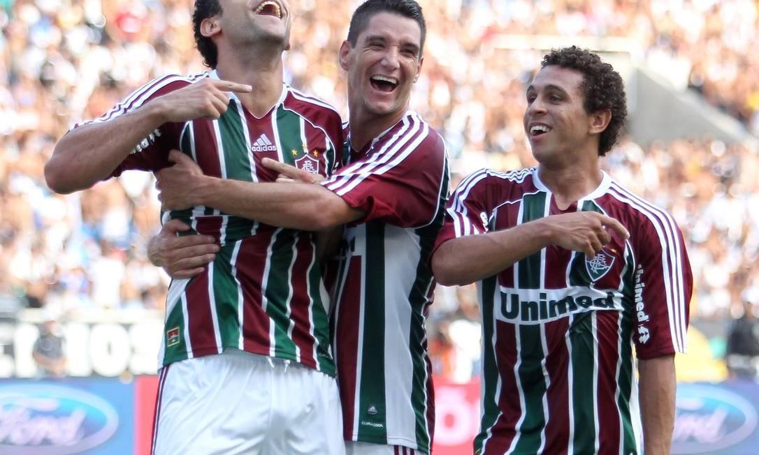 Thiago Neves, ao lado de Fred, comemora o primeiro gol do Fluminense Foto: Ivo Gonzalez