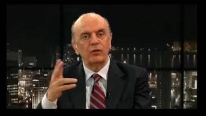 Serra foi entrevistado por Boris Casoy e cometeu gafe ao afirmar que o país se chama Estados Unidos do Brasil Foto: Reprodução