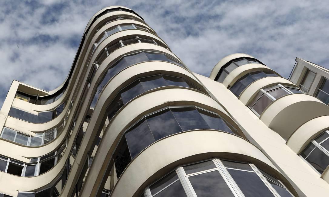 Em Copacabana, o edifício Ypiranga abriga o escritório de Oscar Niemeyer em sua cobertura Carlos Ivan