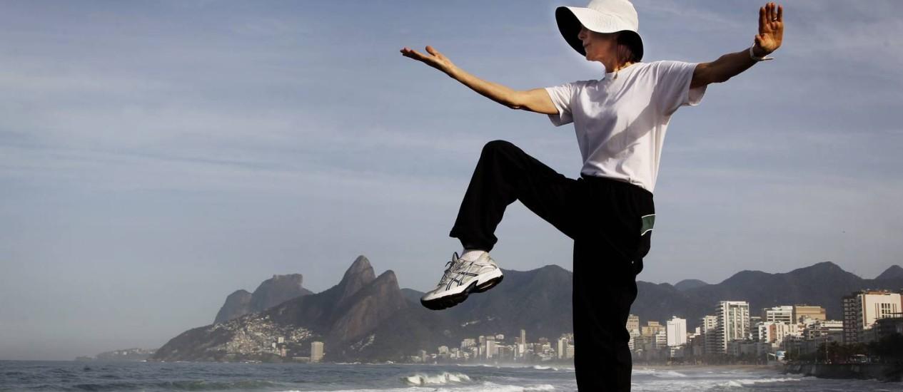 TAI CHI CHUAN: técnica, que tem impacto de baixo a moderado, ajuda a melhorar equilíbrio e força Foto: Marcia Foletto/Agência Globo
