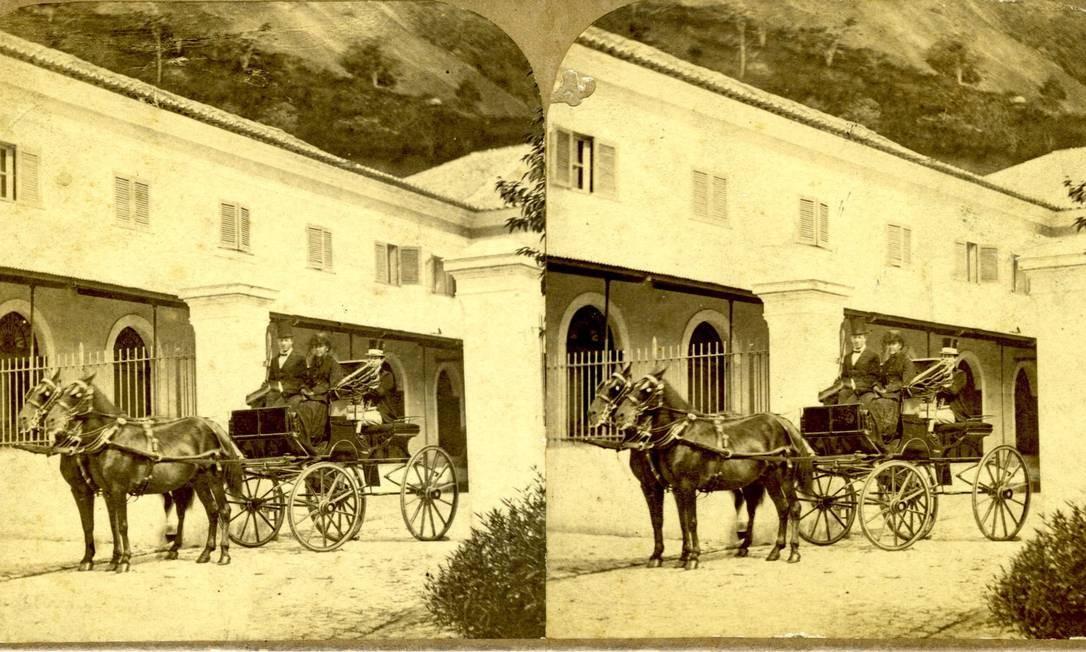 A princesa Isabel e o Conde D'Eu, em 1865, na foto antiga Foto: Acervo do Museu Imperial/Ibram/MinC