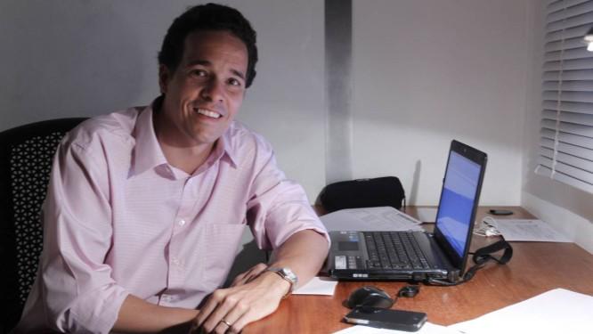 Bernardo Guimarães escolheu um fundo do BTG Pactual: 'Se eu fosse bater na porta do banco, nunca aceitariam a minha conta', diz ele Foto: Agência O Globo / Marcelo Carnaval