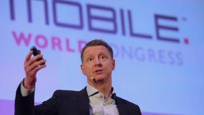 Hans Vestberg, em palestra realizada no Mobile World Congress Foto: Agência O Globo